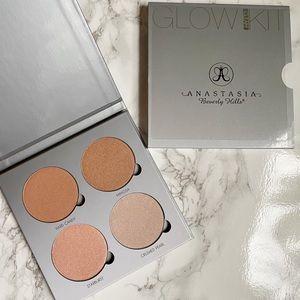 "Anastasia Glow Kit ""Gleam"""
